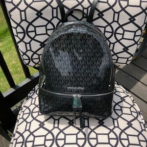 Michael Kors Rhea Zip Black Med. Monogram backpack